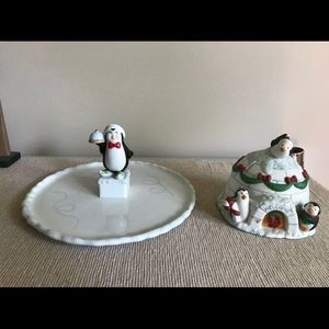 Accessories - Holiday penguin decor